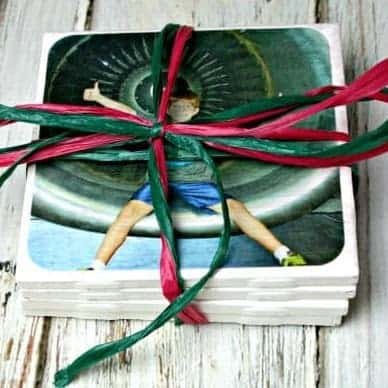 DIY Christmas Gifts: photo coasters
