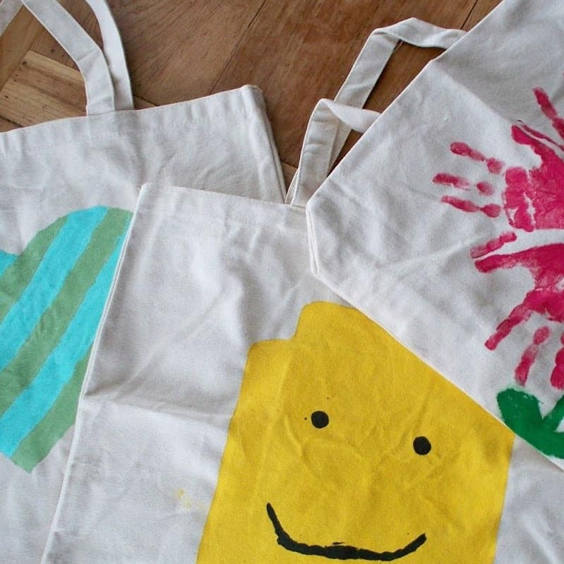 DIY Christmas Gifts: painted canvas bags
