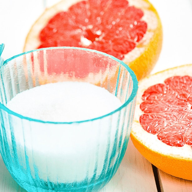 DIY Christmas Gifts: grapefruit bath salts