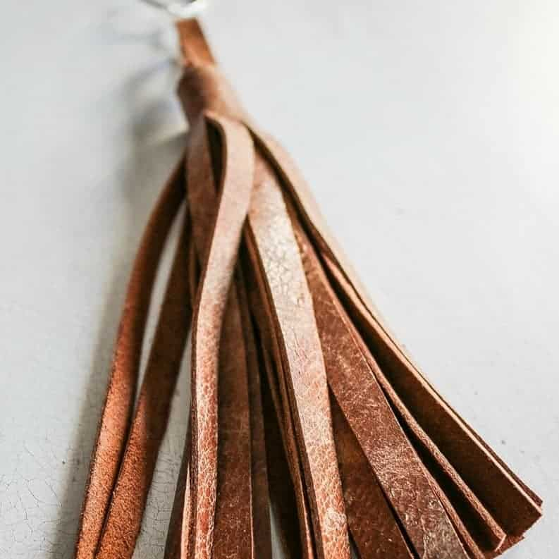 DIY Christmas Gifts: leather keychains