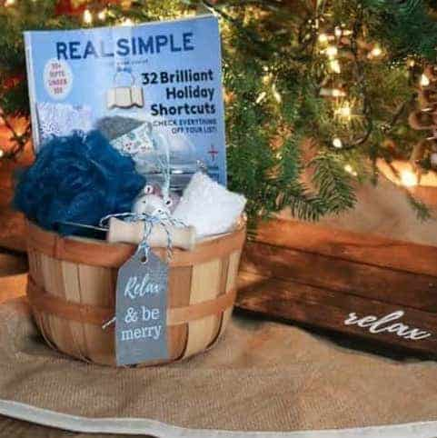 DIY Christmas Gifts: relaxing bath gift basket