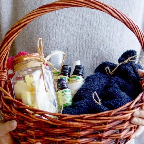 DIY Christmas Gifts: essential oils gift basket