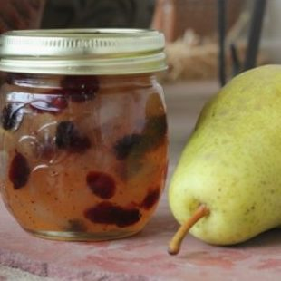 DIY Christmas Gifts: cranberry pear jam