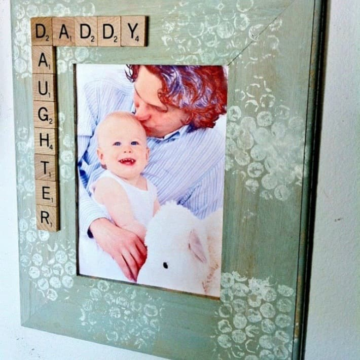 DIY Christmas Gifts: father daughter photo frame