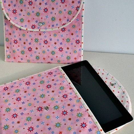 DIY Christmas Gifts: tablet pouch