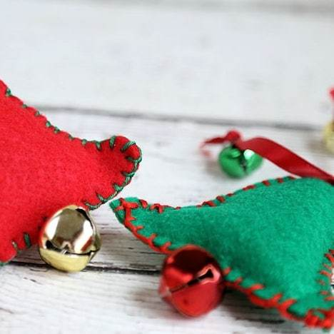 DIY Christmas Gifts: kitty jingle bells