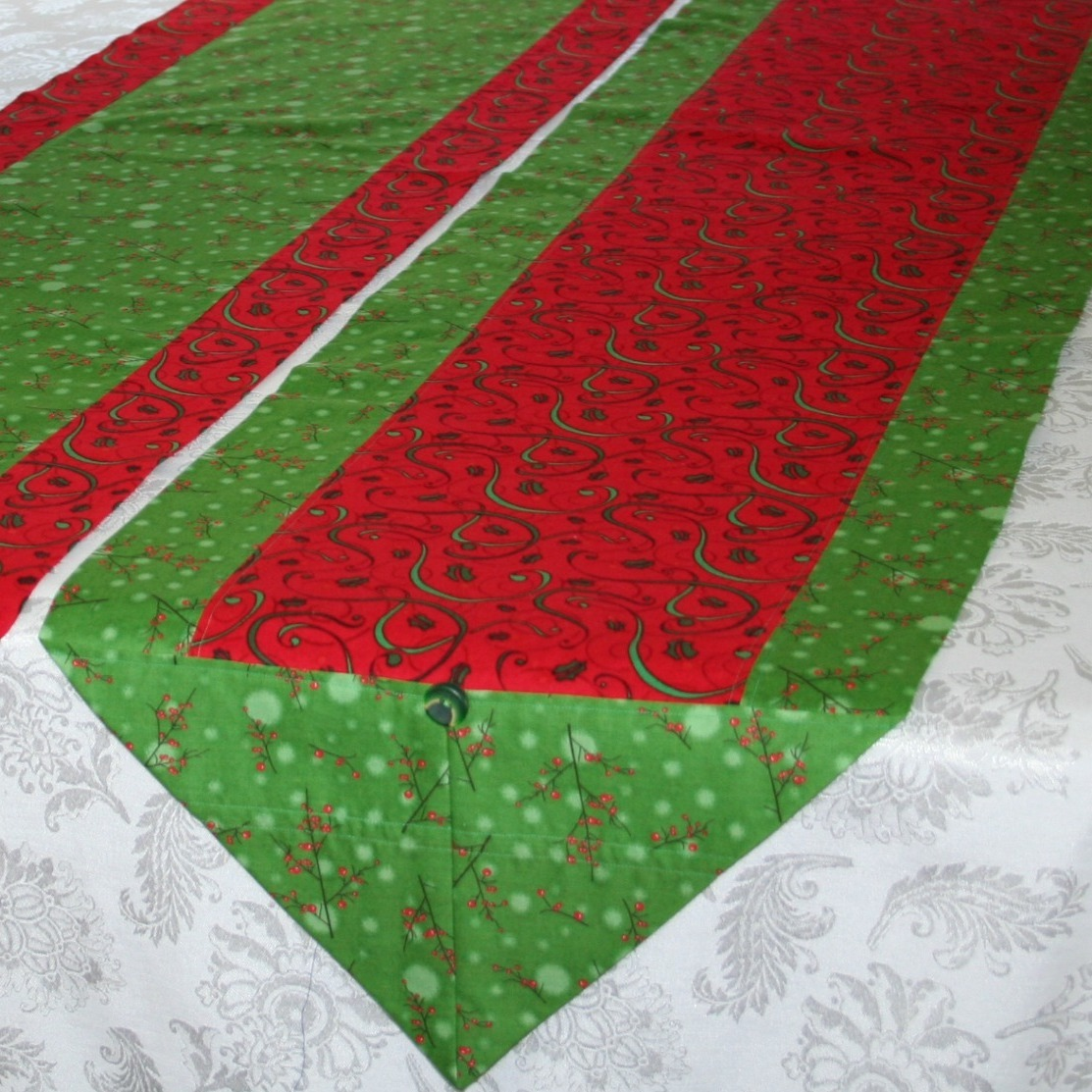 DIY Christmas Gifts: table runner