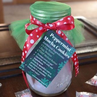DIY Christmas Gifts: peppermint mocha cookie mix