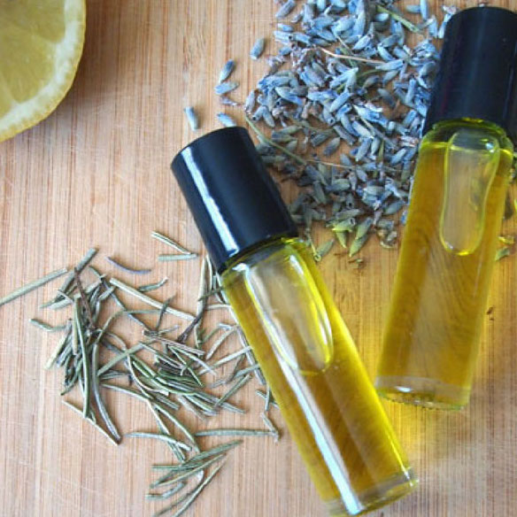 DIY Christmas Gifts: cuticle oil