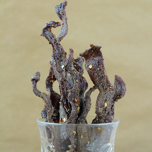 DIY Christmas Gifts: homemade beef jerky