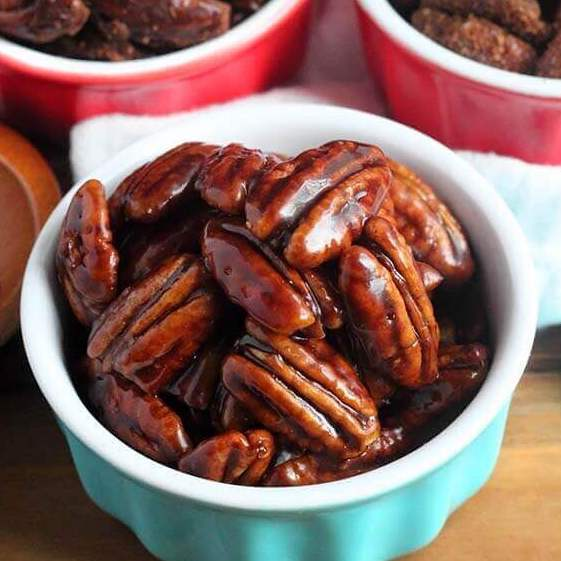 DIY Christmas Gifts: maple candied pecans